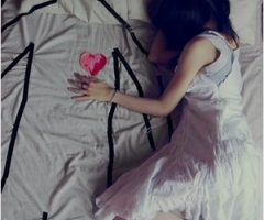 Alone in bed (weheartit.com)